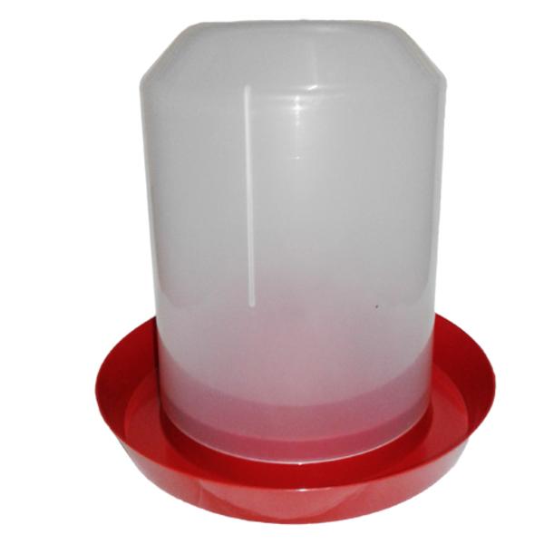 Вакуумная пластиковая поилка для домашней птицы  2